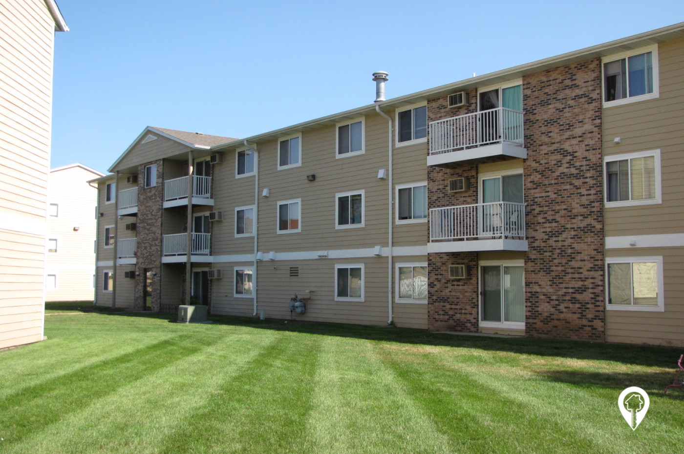 Golden Creek Apartments