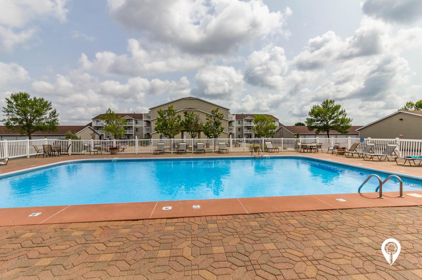 J & C Management - Lyncrest Manor Apartments