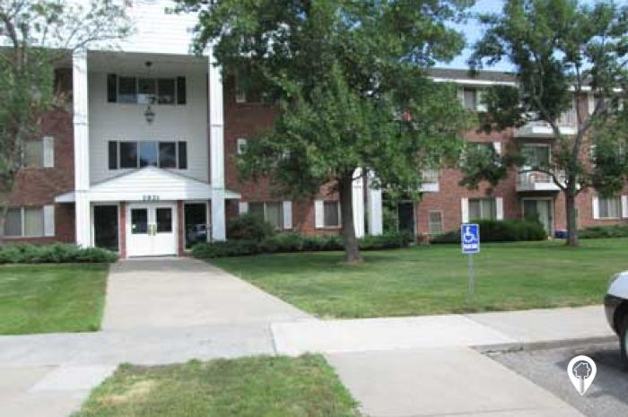 Colonial Height Apartments