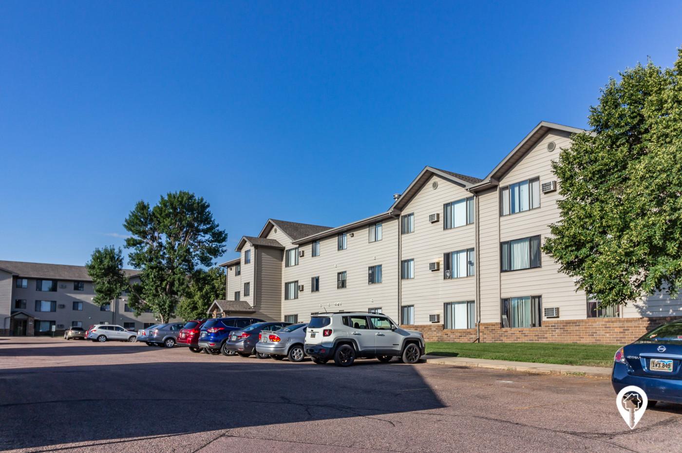 MacArthur Estates Apartments
