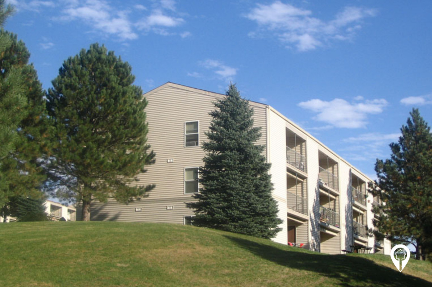 Pointe West Apartments