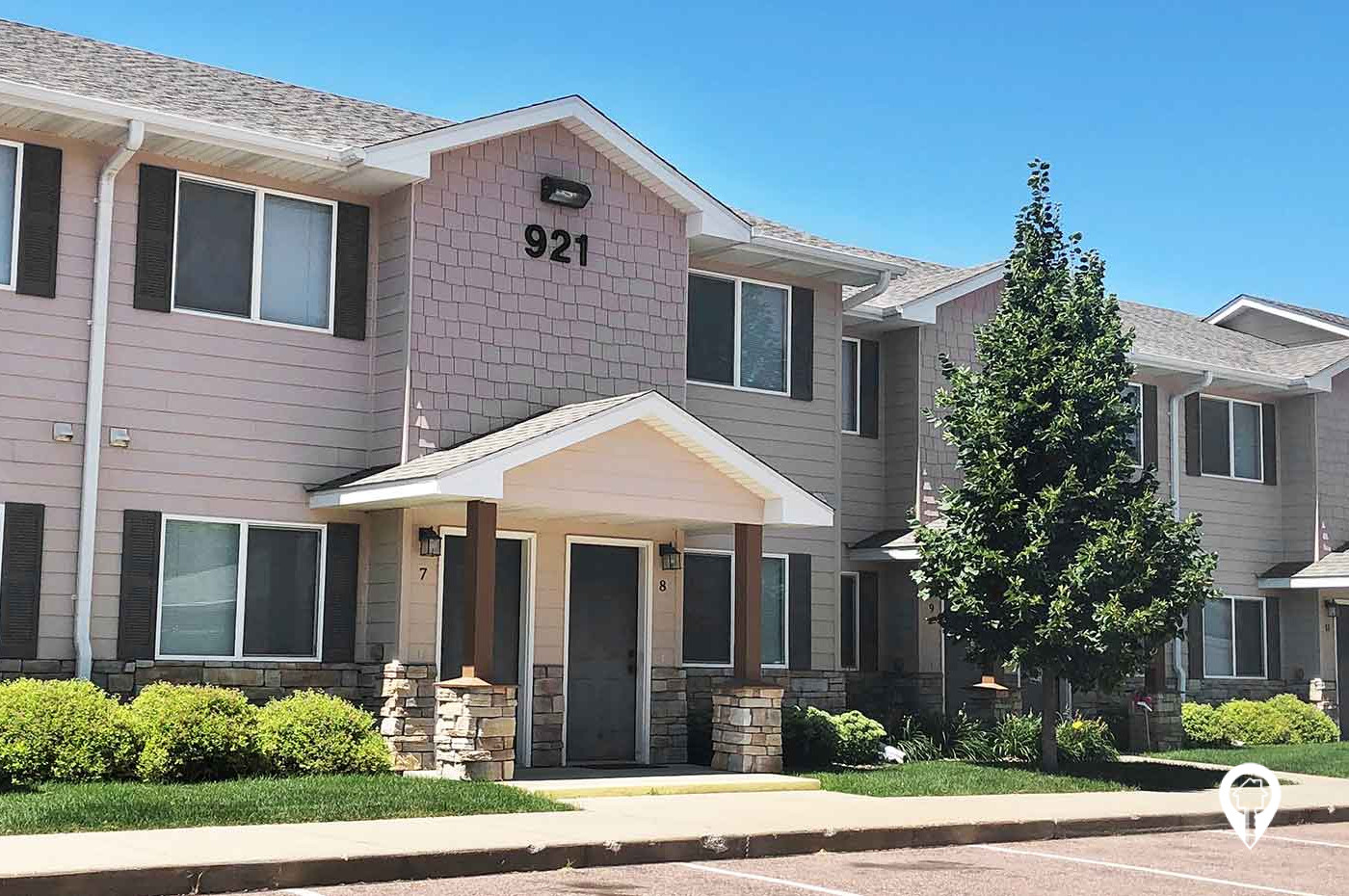 Willow Creek Apartments & Townhomes